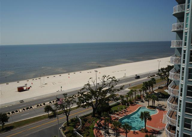 View - Beautiful 2 Bedroom / 2 Bathroom Condo Overlooking the Gulf LT1-906 - Gulfport - rentals