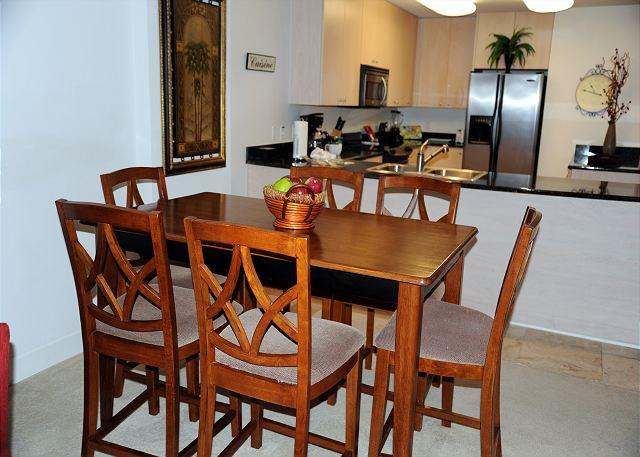 Dining Room - Beautiful 2 Bedroom / 2 Bathroom Condo Directly on the Beach SB-803 - Biloxi - rentals