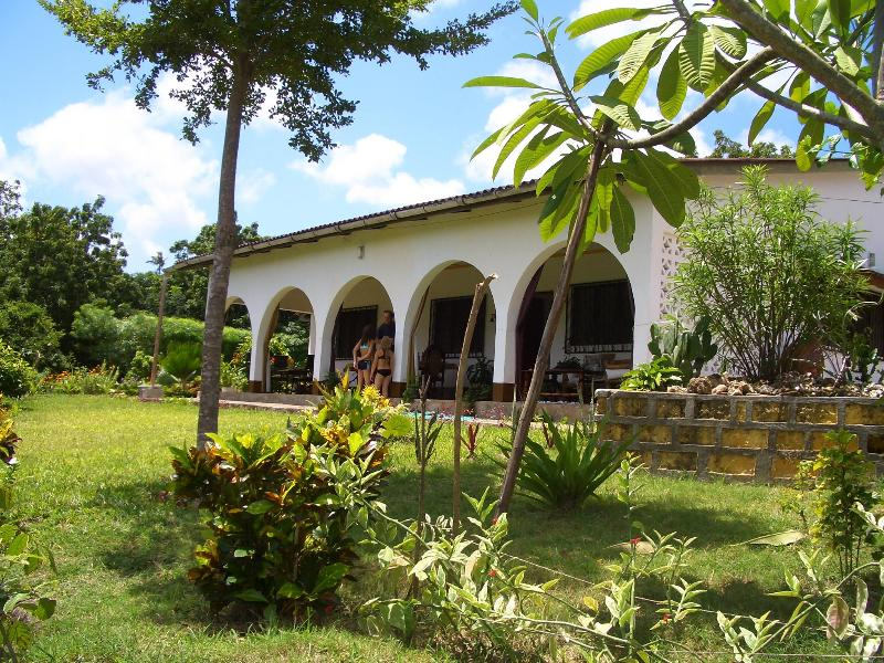 Experience a unique and sustainable vacation be environmently aware book our Eco-Friendly Villa - Image 1 - Kilifi - rentals