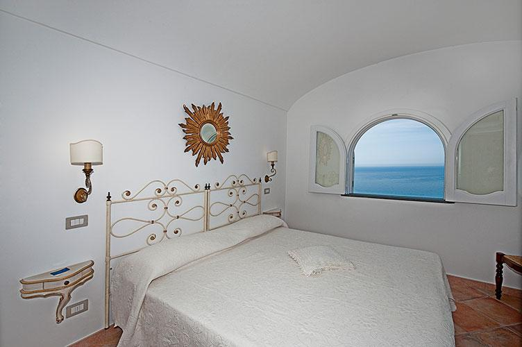 Nice window on Positano Bay - Casa del Sole>>Sun House:  A cozy spot with a perfect position and an Amazing sea view - Praiano - rentals
