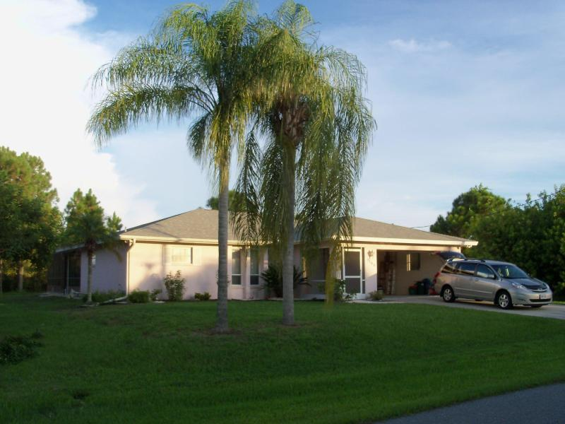 Your Home Away From Home - A Beautiful Gulf Coast Vacation Rental Home - Englewood - rentals