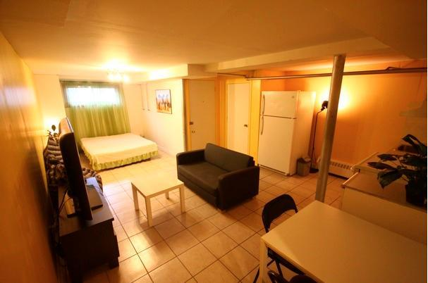 Bachelor 15 min from downtown - Image 1 - Montreal - rentals