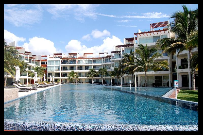 Front Beach Condo the element ! - Image 1 - Playa del Carmen - rentals