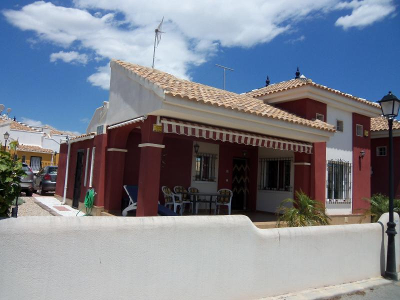 Lovely 3 Bed 2 bath Villa  - 3 Bed Villa, Sleeps 7 Los montesinos - Alicante - rentals