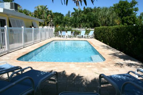 Pool 1 - YELLOWBIRD COTTAGE B - Anna Maria - rentals