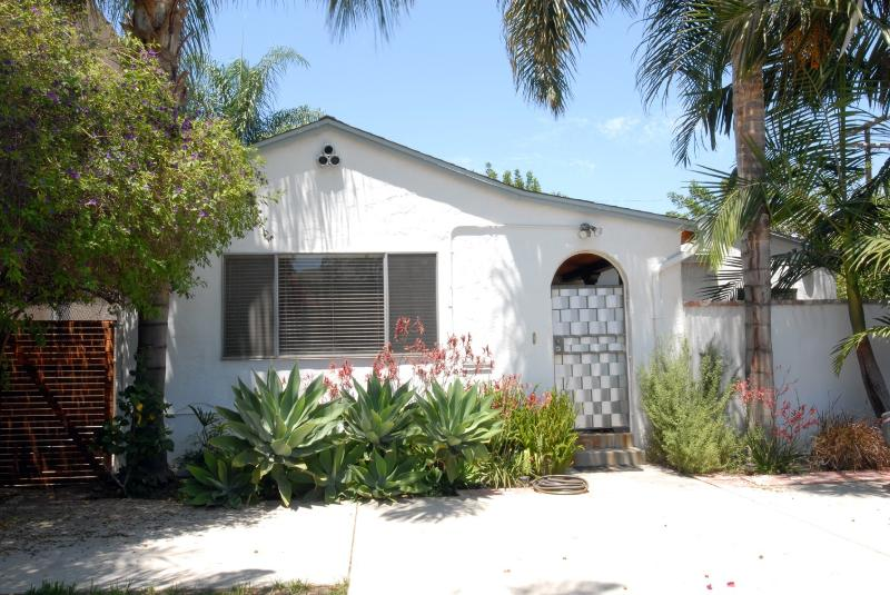 Spacious house very close to universal city - Image 1 - Toluca Lake - rentals