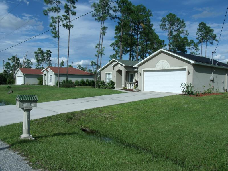 Villa Katrin - Villa Katrin Luxery Pool Home  close to Fort Myers Lehigh Acres - Lehigh Acres - rentals