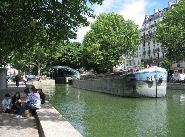 Canal Saint-Martin in summer - Little house in Paris, along Canal Saint-Martin - Paris - rentals