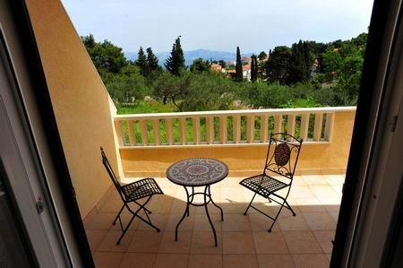 apartmen Maja*** (two bedrooms, two balconies) - Image 1 - Sutivan - rentals
