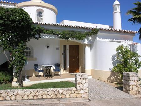 Modern and airy 2 bedroom air conditioned townhouse near Carvoeiro - Vilas Golfe Mar Townhouse - Algarve - rentals