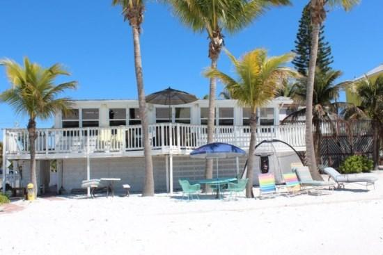 Endless Summer beautiful Beachfront Cottage Mid Island -  Endless Summer - Image 1 - Fort Myers - rentals