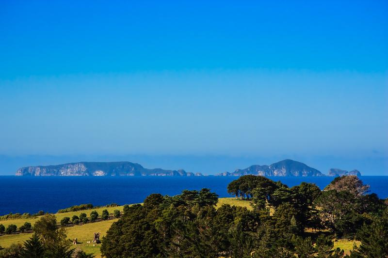 View out to the Poor Knights Islands - Blue Knights stunning views on the Tutukaka Coast - Northland - rentals