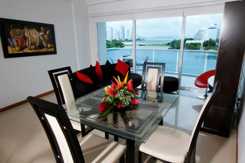 Spectacular spacious 2 Bedrooms in a excellent location with beach view, 3 Bathrooms, Sleeps 6 starting at *$107.00 US - Image 1 - Cartagena - rentals