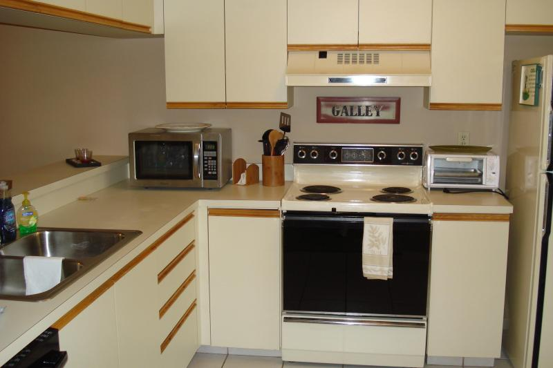 Cross Creek 2 Bed 2 bath condo in a Golf community for rent . - Image 1 - Fort Myers - rentals