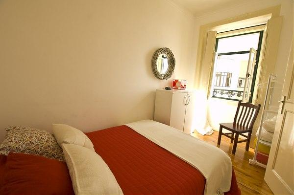 Double room with Tagus View - Image 1 - Abrantes - rentals