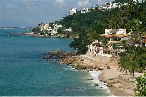 PVR - OCEANSIDE6 - Effortless adventure at Los Gatos Beach - Image 1 - Puerto Vallarta - rentals