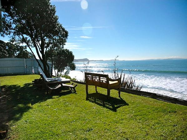Lawn Overlooking the Ocean - Club Logan - Red Beach Holiday Home - Whangaparaoa - rentals