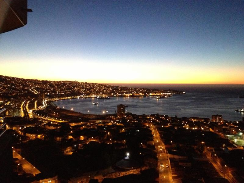 Sunset on Valparaiso bay from apartment balcony - Great apartment with magnificent bay view (180°) - Valparaiso - rentals