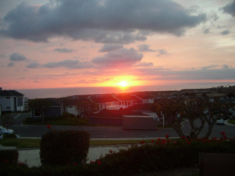 Sunset over Catalina Island-My deck - OCEAN /CATALINA ISLAND VIEW CONDO $90.00 a night - San Clemente - rentals
