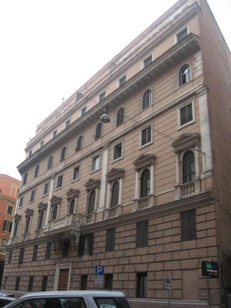 building - Large central apartment near St. Peter - World - rentals