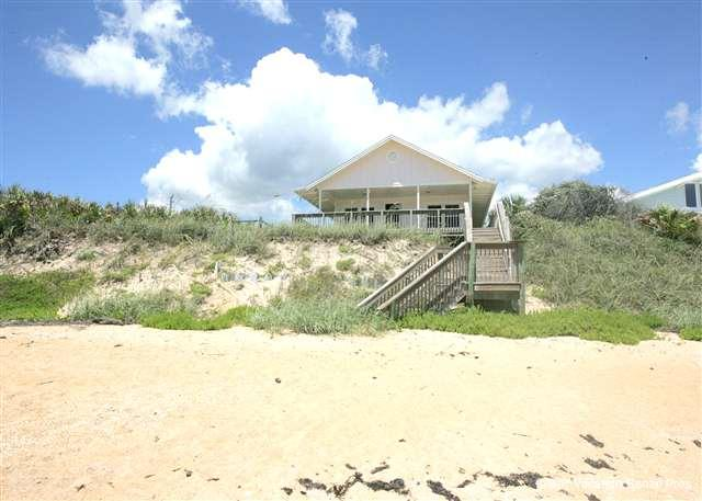Perched right on beautiful Flagler Beach, Cozy Cottage waits! - Cozy Cottage, Beach Front, 3 Bedrooms - Flagler Beach - rentals