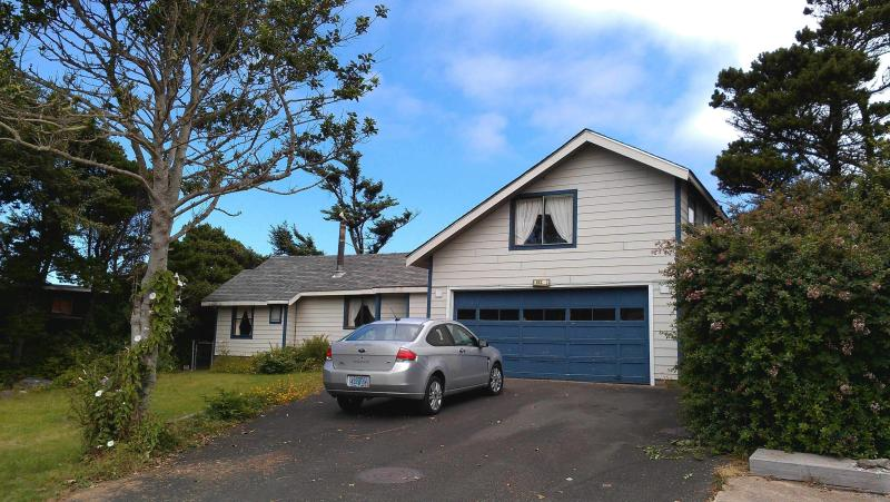$150/night Amazing home w/ VIEWs,VIEWS,VIEW of Ocean - Image 1 - Newport - rentals