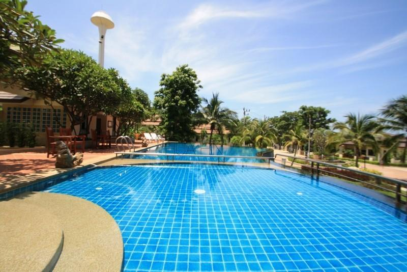 Elegant Villa Close to Town and Beach - Image 1 - Hua Hin - rentals