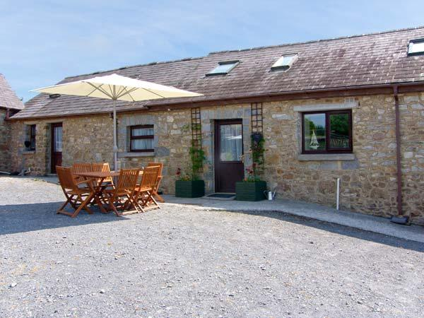 KEEPERS COTTAGE close to beach, family-friendly in Amroth Ref 26180 - Image 1 - Amroth - rentals