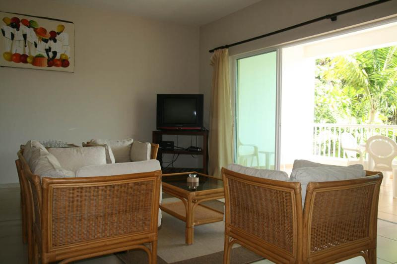 living room - 2bdr condo in a quiet area 50 m from the beach - Cabarete - rentals