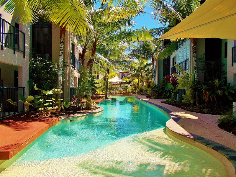 Lagoon Pool - Trinity Beach holiday apartment & $50 voucher - Trinity Beach - rentals