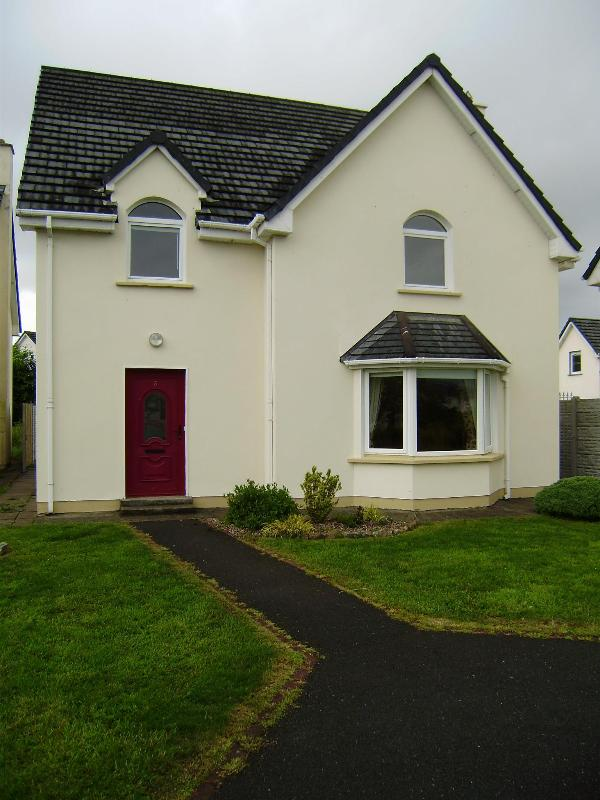 3 Riverside Villas - Riverside, family house with large garden in Kenmare. - Kenmare - rentals