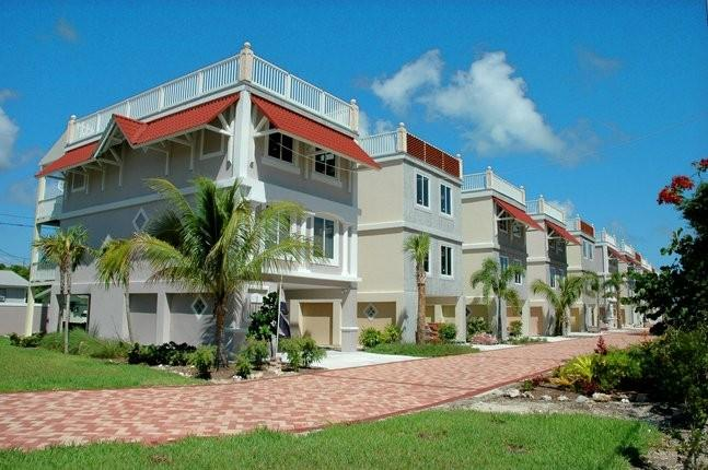 New gated community with private road - Luxurious 3 bedroom townhouse - Florida Keys - Marathon - rentals