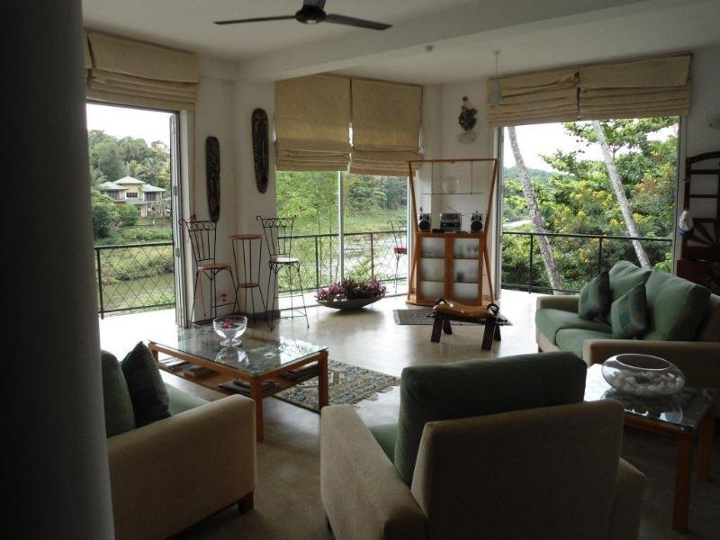 Lounge Area - Waterfront 2 Bedroom Serviced Apartment - Kandy - rentals