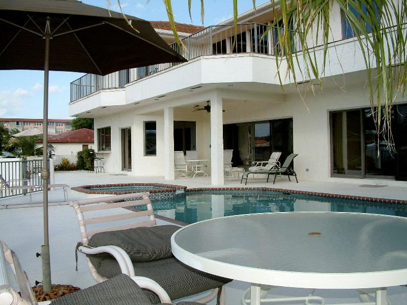 Luxury Waterfront Pool Estate on the Intracoastal Waterway, Beaches! Delray Beach, Florida - Image 1 - Delray Beach - rentals