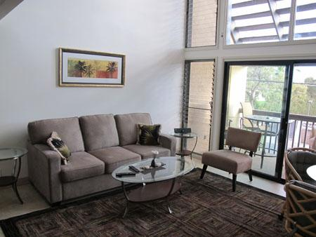 Spacious living area with queen sofa bed - Kihei Garden Estates C207, Ocean Vw Updated Beauty - Kihei - rentals