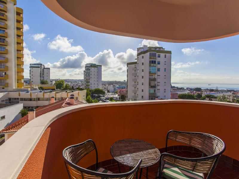 Great One Bedroom Apartment in Cascais - Image 1 - Cascais - rentals