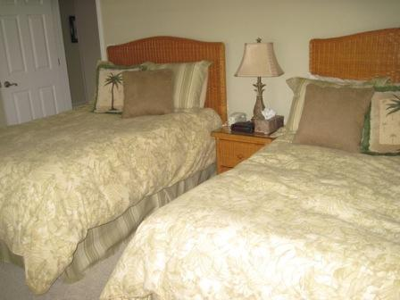 Guest bedroom - Poolside Large Garden Unit B - Sarasota - rentals