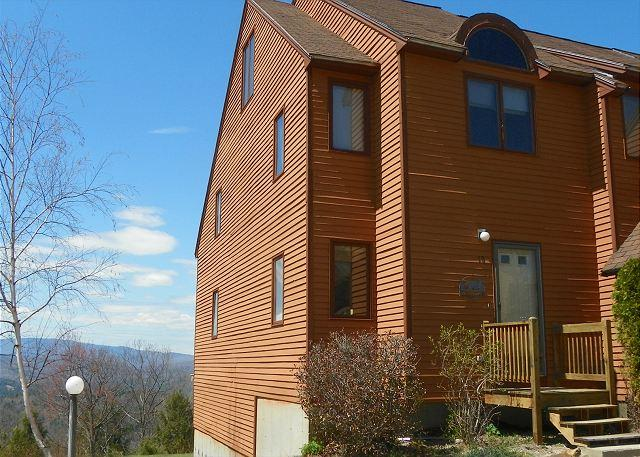 End Unit- 3 floors in Waterville Estates! 4 Passes to Recreation Center Included. A great family vacation rental! - Waterville Estates Vacation Rental Condo in New Hampshire (MAI19M) - Campton - rentals
