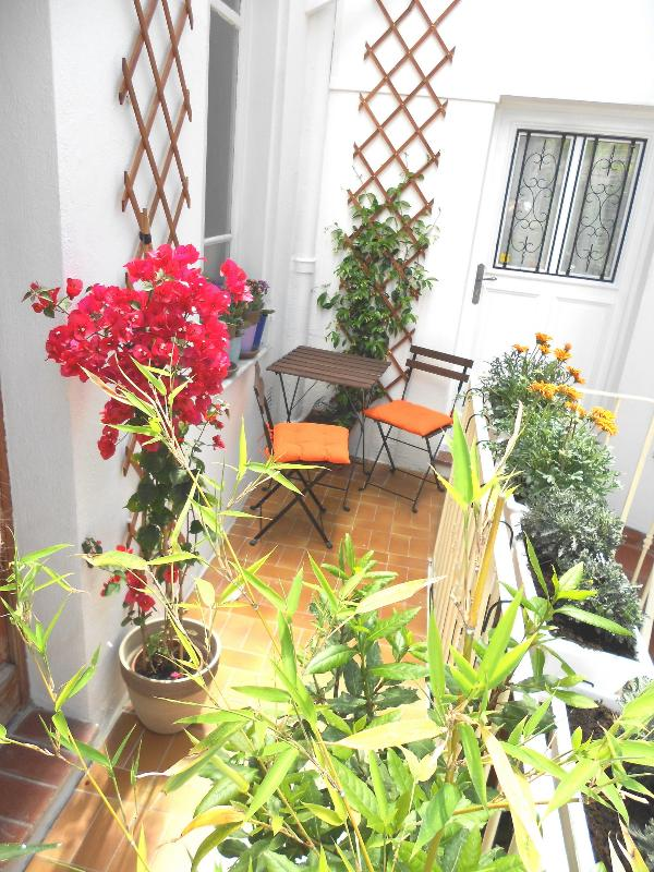 Cosy , affordable studio in the centre of Nice - Image 1 - Nice - rentals