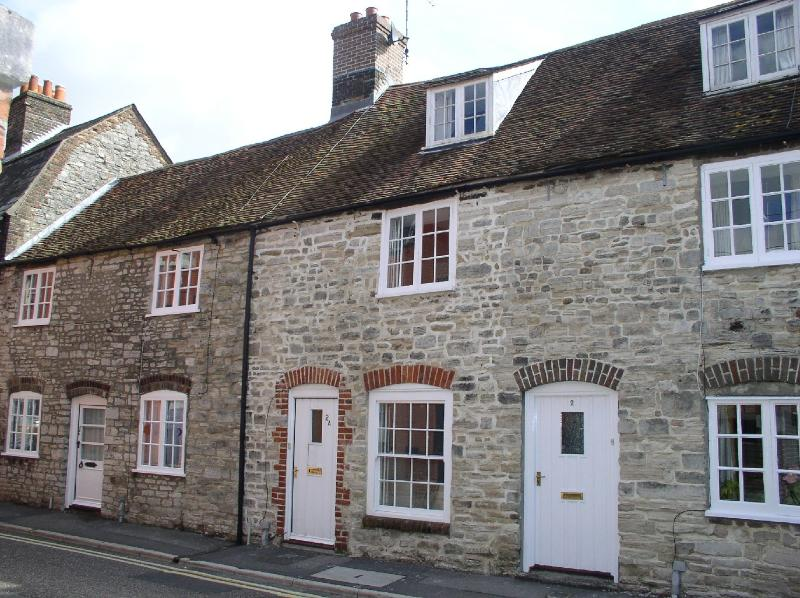 Dragon's Den (the house in the middle) - Dragon's Den - Stone Cottage in Dorchester, Dorset - Dorchester - rentals