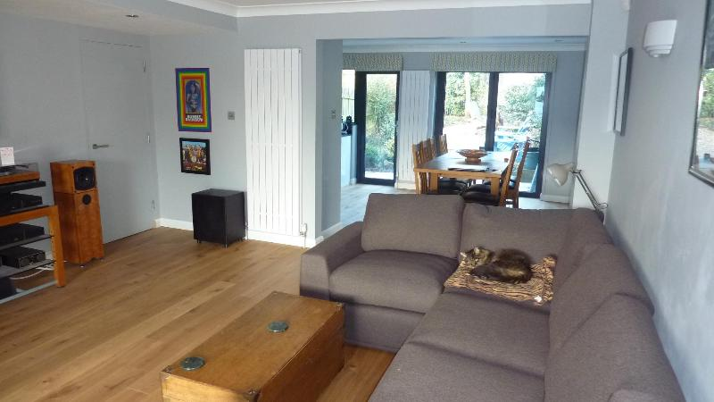 Living/Dining Area - Central Exeter, close to historic Quayside - Exeter - rentals