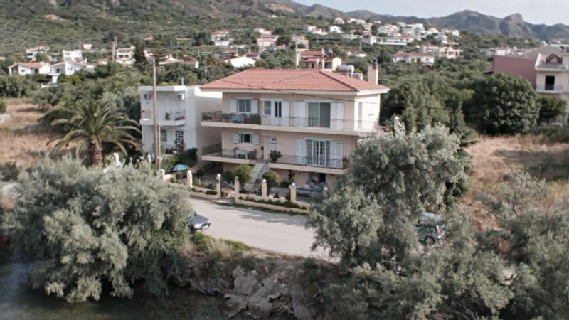Ocean Front 3 Bedroom, 2 Bath Apartment, Sleeps 8 - Image 1 - Patras - rentals