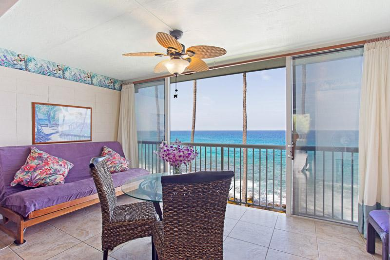 Dine on a glass top table right over the aqua Pacific Ocean - ABSOLUTELY OCEANFRONT KONA MAGIC SANDS - Kailua-Kona - rentals