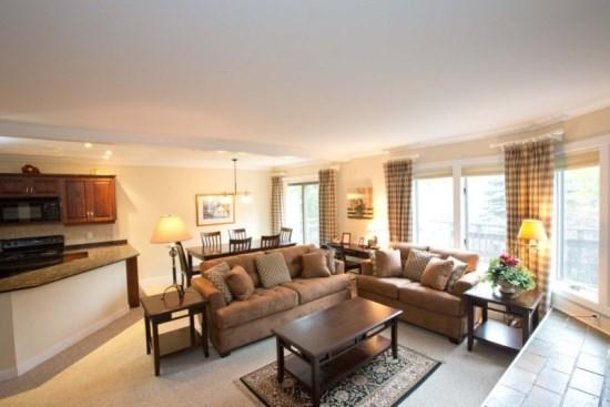 Living room open floor plan - 3BR, 3BA Luxury at Topnotch Resort & Spa! Treat yourself to a spa Summer! - Stowe - rentals