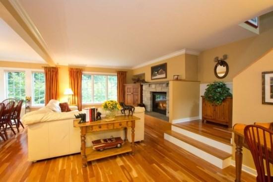 Beautiful Hardwood floors greet you as you enter.   - Celebrate Summer in Stowe!! Luxury Home sleeps 8-10 at Topnotch Resort and Spa. - includes Crib, high chair, Pack N Play - Stowe - rentals