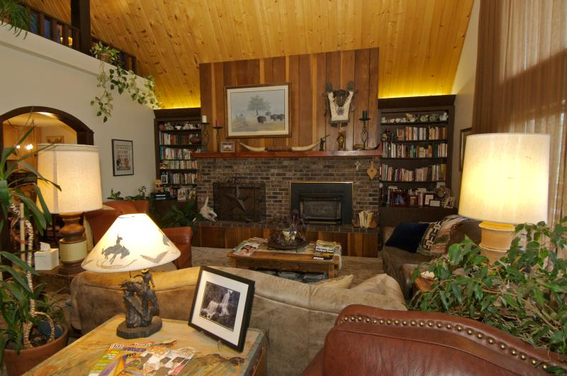 Lodge Room-, common area - Be Our Guest, A Bed & Breakfast/Guesthouse - Pagosa Springs - rentals