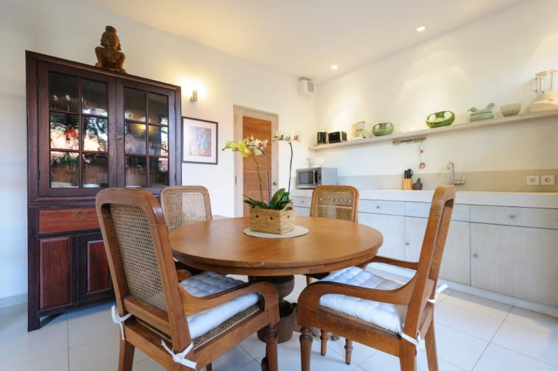 Downstairs Kitchen Dining Room - Luxurious 2 Bedroom Apartment in the heart of Sanur and 50 meters to the beach. - Sanur - rentals