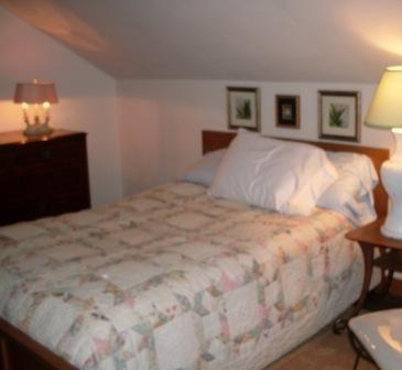 Upstairs Bedroom, Double Bed Plus an extra cot - Garden Terrace Cottage - Millbrook NY - Millbrook - rentals