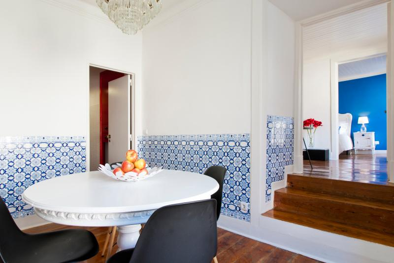 Lisbon Arcos - Stay in an heritage building - Image 1 - Lisbon - rentals