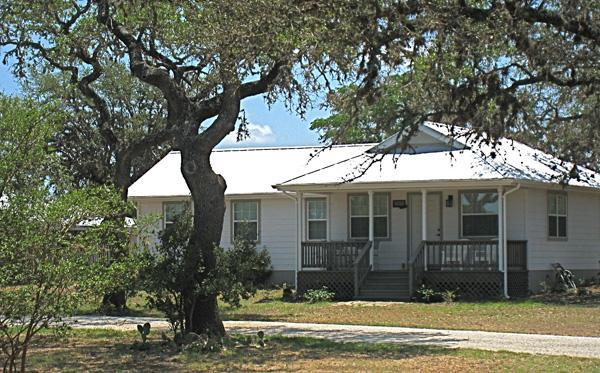The Cottage at West 1077 - The Cottage at West 1077 - Bandera - rentals